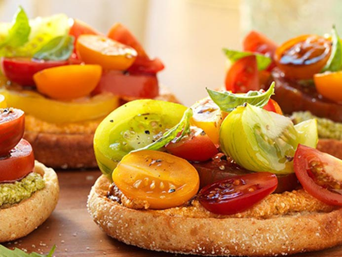 FRESH HEIRLOOM TOMATO TARTLETS